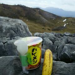 山登り 山での昼食  最近はこの組合せが得意技で…