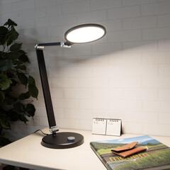 LEDデスクライト(デスクライト)を使ったクチコミ「洗練されたスタイリッシュさ🕺✨  ハンサ…」