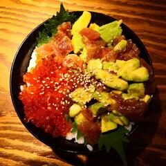 夕飯メニュー/海鮮丼/グルメ/マグロアボカド/イクラ丼/ご飯 いくらとまぐろアボガド丼