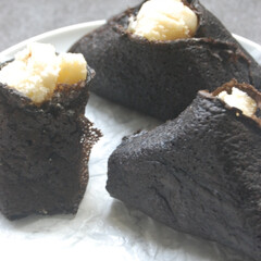 ブラックココア生地/おむすびクレープ/おにぎりクレープ/バナナクレープ/バナナ消費/手作りスイーツ/... おにぎりクレープ作りました。 バナナがす…