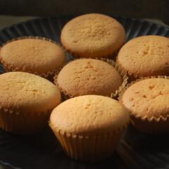 チョコペン/ひつじのショーン/いちごのカップケーキ/カップケーキデコ/カップケーキ/おやつの時間/... カップケーキデコを作りました。 今日は娘…(2枚目)