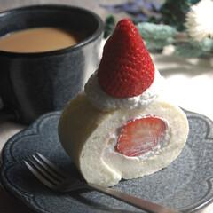 いちごのスイーツ/卵白消費お菓子/いちごのホワイトロールケーキ/おやつの時間/おうちカフェ/おうち時間/... いちごのホワイトロールケーキを作りました…(1枚目)