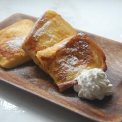 フレンチトースト/朝ごはん/手作りごはん/朝ごパン/一眼レフのある暮らし/一眼レフカメラ フレンチトースト焼きました。 余りの生ク…