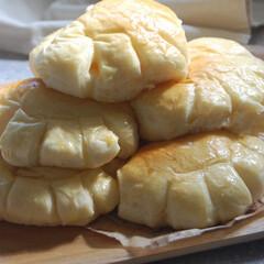 カスタードクリーム/クリームパン/あさごぱん/朝ごはん/ホームベーカリー/パン作り/... クリームパンを作りました。 カスタードク…