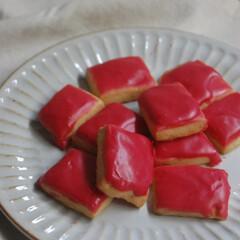 冷凍ラズベリー/フランボワーズアイシング/アイシングクッキー/フランボワーズアイシングクッキー/お菓子作り/手作りスイーツ/... フランボワーズアイシングクッキーを作りま…(1枚目)