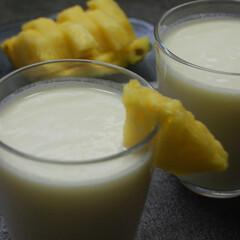 パイナップル/ヨーグルト/パイナップルラッシー/パイナップル消費/夏のデザート/おうちカフェ/... パイナップルラッシー作りました。 パイナ…