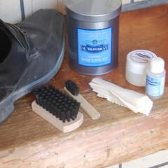 Honel 靴ブラシ 木製 シューズブラシ 靴磨き ブラシ 靴ブラシ 革靴 手入れ シューズブラシ 靴ケア用品(掃除用ブラシ)を使ったクチコミ「旦那は最近時々革靴をはいて出勤します。 …」