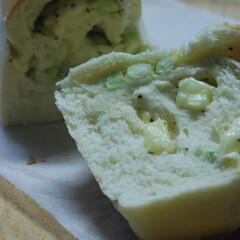 ブラックペッパー/チーズ/枝豆/枝豆とチーズパン/手作りパン/おうち時間 枝豆とチーズのパンを作りました。 勘助で…