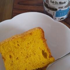 フロマージュミルクティー/おやつの時間/かぼちゃシフォンケーキ/おうちカフェ/おうち時間 姉と一緒にかぼちゃシフォンケーキでお茶し…