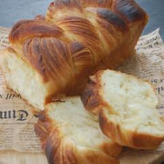 デニッシュ食パン/朝ごはん/ホームベーカリー/手作りパン/おうち時間/一眼レフカメラ デニッシュ食パンを作りました。 前回より…(1枚目)