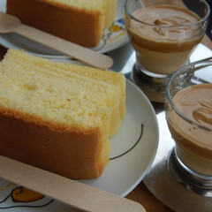 ダルゴナコーヒー/台湾カステラ/おうちカフェ/手作りおやつ/スイーツ おうちカフェしてみました。 台湾カステラ…