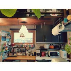 キッチン/棚DIY/ペンダントライト/カフェスペース/キッチン家電/収納/... 最近のキッチン。 写真に撮るとごちゃごち…