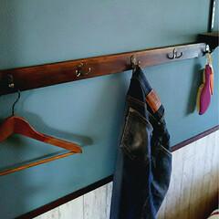 引っ掛けるだけ/salut!/フック/CAINZペンキ/壁ペイントDIY/壁紙DIY/... 旦那の脱ぎっぱなし対策に洋服掛け作りまし…
