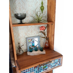 キセログラフィカ/フェイクグリーン/blue/タイルDIY/ガラス雑貨/流木インテリア/... リビングに作ったディスプレイコーナー。雑…