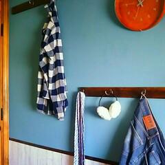 簡単DIY/便利/かける収納/オイルステイン/100円グッズ/フック/... 壁にフック取付☆