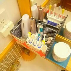 ファブリック/空き箱利用/スッキリ収納/洗面所収納/電動歯ブラシ収納 洗面所の電動歯ブラシをスッキリ置きたくて…
