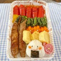 ソーセー人/ダイソー/使い捨て弁当箱/こにぎり/のっけ弁当/お弁当/... こんにちは(^^) 今日は、使い捨て弁当…