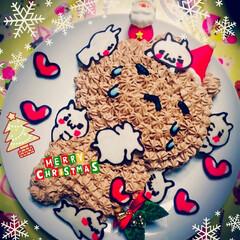 LINEスタンプ/ケーキ/クリスマス/フード くまはチョコクリームケーキで にゃんこや…