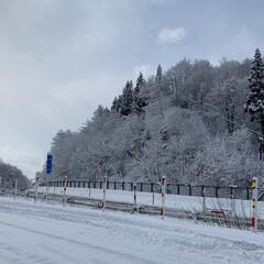 雪国秋田/エイハウス 今は晴れていますが 今夜も冷え込んで荒れ…(2枚目)