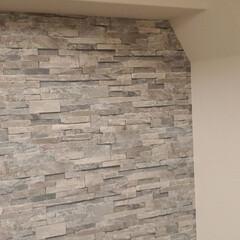 ここが好き ひとつの壁面だげ壁紙を変えました。 雰囲…