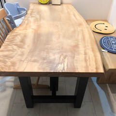 我が家のテーブル 同じものは作れない1枚板のダイニングテー…