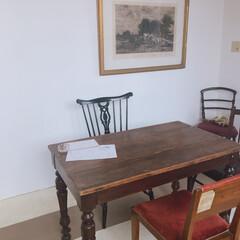 我が家のテーブル アンティークな雰囲気が気に入ってます