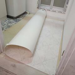 DIY/賃貸マンション/シャビーシック/洗面所/スッキリ暮らす/白/... ② 壁を塗って~床を貼ったら・・・・