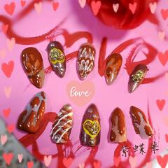 バレンタインアイデア/ハート/チョコレートデザイン/ネイルアート/セルフネイル/ネイルチップ/... バレンタイン💅★*🍫💓  ネイルチップに…