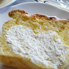 美味しい/ほわほわ/プレミアム生クリーム/生パウンドケーキ いただきものの 生パウンドケーキ❣️  …(3枚目)
