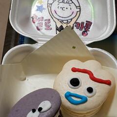 クリームチーズ/オレオ/マカロン/sweets/スイーツ/可愛い 子供が渋谷で買ってきた マカロン( ゚∀…
