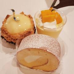 幸せな休日/至福のひととき/甘いもの大好き/ケーキ 海の帰り道に ケーキ屋さんに寄って  ⸜…(1枚目)