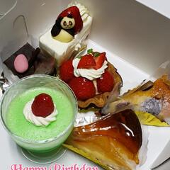 何歳になった?/お誕生日おめでとう/お誕生日ケーキ/happybirthday 母親の誕生日だったので🎉✨  ケーキでお…
