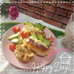 カフェオレ/朝食/朝ごパン/パン作り好き/手作りパン/ポテトグラタン/... 今日も素敵な一日になりますように(♥Ü♥…