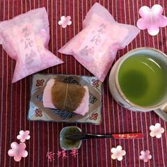 3時のおやつ/お雛様は?/桜もち/フォロー大歓迎/ひな祭り/ピンク/... 3時のおやつに 桜餅をいただきました😋💕…