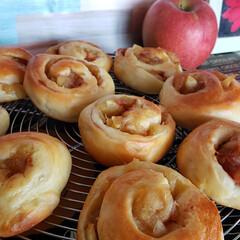 手作りパン/アップルシナモンパン/リミアな暮らし/リミアのある暮らし/フォロー大歓迎/暮らし 初 アップルシナモンパンを 作ってみたけ…