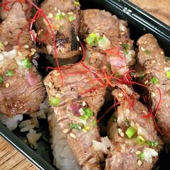 私のご飯/おうちごはん/肉寿司 今日の休みは家に居たら 用事があって出か…(2枚目)