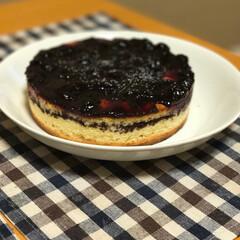 ケーキ/チェック/テーブルクロス/我が家のテーブル 嫁が作ったケーキです。 激ウマでしたよー