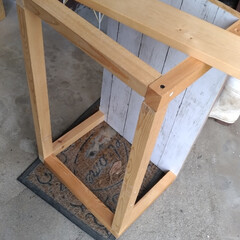 ダイニングテーブル横棚 DIY/廃材DIY/使い回し/収納/キッチン/LIMIA手作りし隊/... 雨だけど  する事あるけど 重い尻をあげ…
