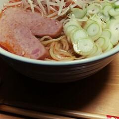フード こんな時間にタンタン麺(1枚目)