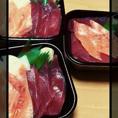 フード はじめて行った、お持ち帰り専門の海鮮丼 …(1枚目)