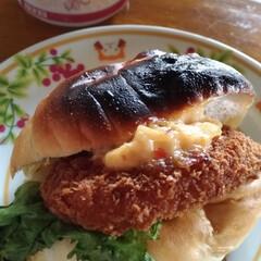 スーパー/海老カツパン/にゃんこ同好会/グルメ/フード 先日いつものスーパーで 108円の エビ…