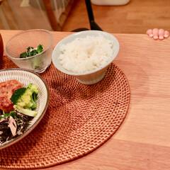 ダイニングテーブル/娘/赤ちゃん/夕ご飯/自炊/我が家のテーブル 夕ご飯の頃になると我が家のダイニングテー…