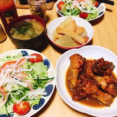 おうちご飯/ご飯 ご飯いただきます🍚 鳥手羽元のコーラ煮 …