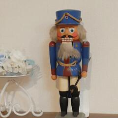 くるみ割人形/ドイツ くるみ割り人形 飾り続けたのでお髭がよれ…