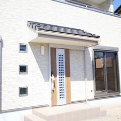 瓦屋根/瓦/玄関/玄関ドア/リクシルドア/玄関スペース 瓦屋ねの玄関
