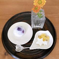 粉寒天/砂糖/牛乳🥛/果物2つ/自家製🍋シロップ/100均/... 今日のおやつ  ・ブルーベリー入りドーム…