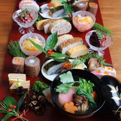お節の盛り付け/お節料理/おせち料理/お節/お正月2020 2日目のお節です。盛り付けを変えると飽き…