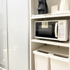 山善 電気ケトル YKG−C800−W ホワイト | 山善(電気ケトル)を使ったクチコミ「キッチンのカップボードの一部📷 レンジの…」