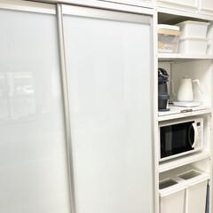山善 電気ケトル YKG−C800−W ホワイト | 山善(電気ケトル)を使ったクチコミ「食器棚📷 お皿は少しずつお気に入りを集め…」