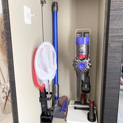 クリーナースタンド ダイソン マキタ コードレスクリーナー ダイソンスタンド 掃除機スタンド V10 V8 V7 V6 組み立て式 工具 日本語説明書 @83506(掃除機部品、アクセサリー)を使ったクチコミ「我が家の掃除機収納📷 掃除機は玄関の収納…」